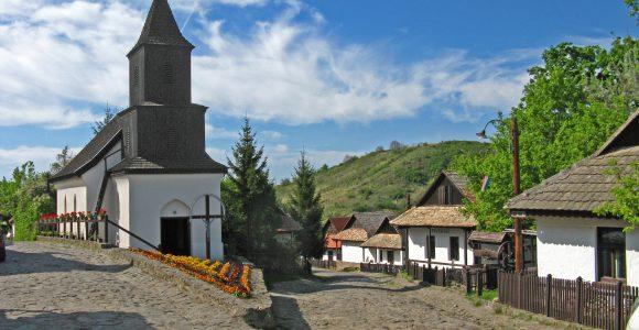 holloko village